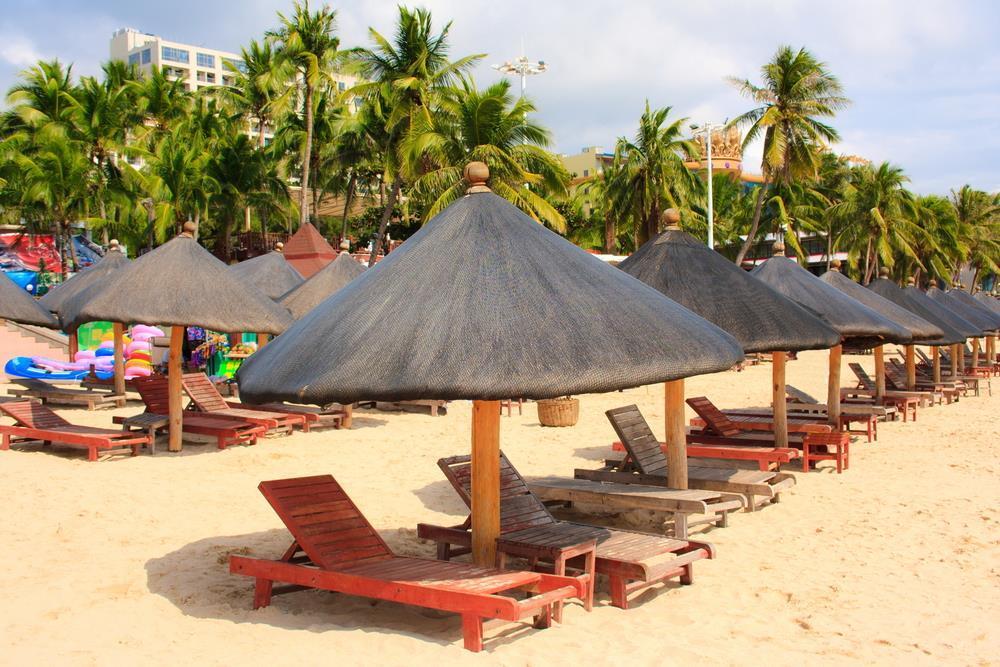 Circuit China Amp Plaja In Insula Hainan Oferte De